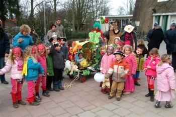 Carnavalsoptocht basisschool Opweg