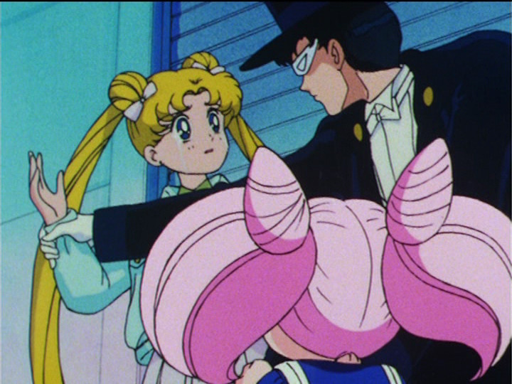 sailor_moon_r_episode_73_tuxedo_mask_stops_usagi_from_slapping_chibiusa