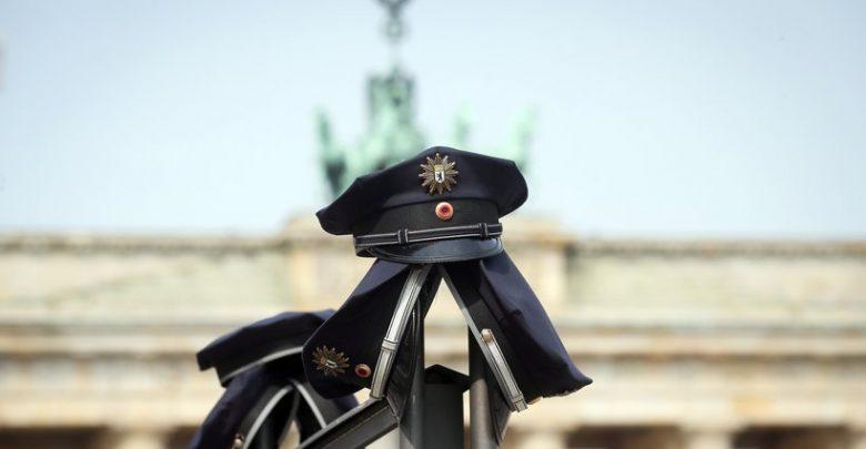 ألمانيا : المحكمة الإدارية تقضي بفصل شرطي بسبب ميوله النازية