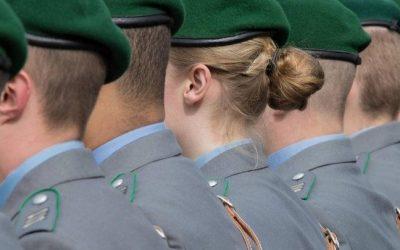 """تكلف مئات الآلاف من اليوروهات سنوياً .. ألمانيا : الجيش يريد إغلاق """" غرف الحلاقة """" الخاصة به !"""
