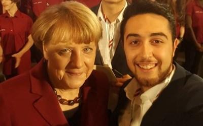 """دويتشه فيله : """" لاجئ سوري في صفوف الحزب الاشتراكي يساهم في تقرير مصير حكومة ألمانيا """""""