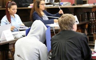 ألمانيا : محاكمة ثلاثة لاجئين سوريين في هامبورغ .. و اعتراف مفاجئ لأحدهم يغير مسار القضية