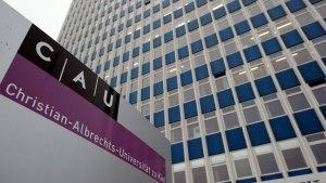 ألمانيا : هجوم على جامعة يؤثر على عشرات الآلاف من أجهزة الكومبيوتر
