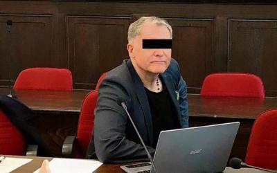 ألمانيا : تفاصيل مثيرة للجدل لمحاكمة معلم صف ألماني مصاب بالإيدز مارس الجنس مع طالبة قاصر