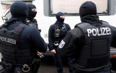 ألمانيا : توقيف خلية متطرفة كانت تخطط لتنفيذ اعتداءات على سياسيين و لاجئين و مسلمين