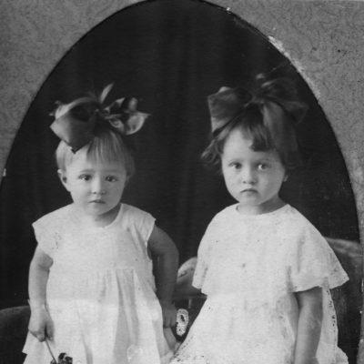 nachberarbeitet: Gertrude und Nadeschda, Kinder von Tamara Rolloff