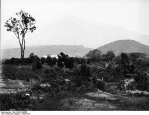 Der Meru, von Aruscha aus gesehen