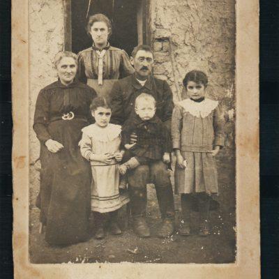 Sophie und Emanuel Schall mit Kindern