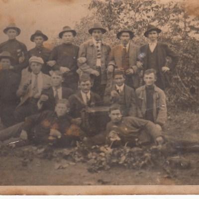 Gruppenfoto mit Ernst, Sohn von Gottlob Plieninger