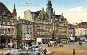 Aachen, Markt mit Kaiser Karl-Denkmal