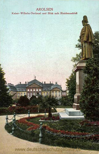 Arolsen, Kaiser-Wilhelm-Denkmal und Schloss