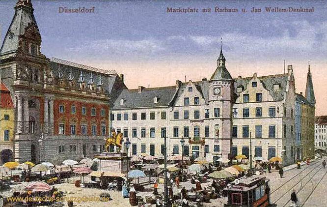 Düsseldorf, Marktplatz mit Rathaus und Jan Wellem-Denkmal