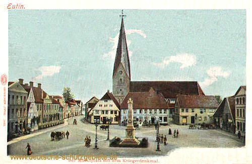 Eutin, Marktplatz mit dem Kriegerdenkmal