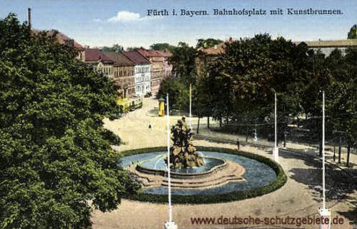 Fürth, Bahnhofsplatz mit Kunstbrunnen