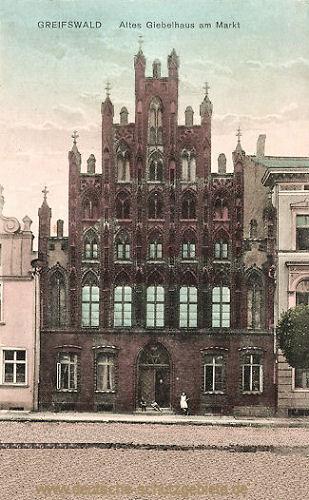 Greifswald, Altes Giebelhaus am Markt