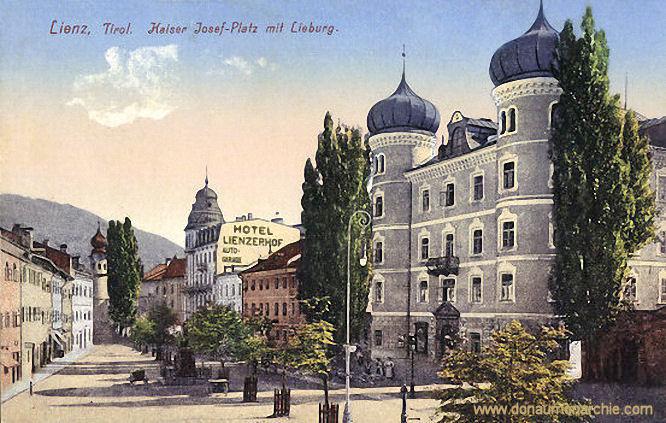 Lienz, Kaiser Josef-Platz mit Lieburg
