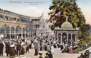 Marienbad, Kreuzbrunnen-Kolonnade, Abend-Konzert