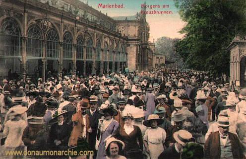 Marienbad, Morgens am Kreuzbrunnen