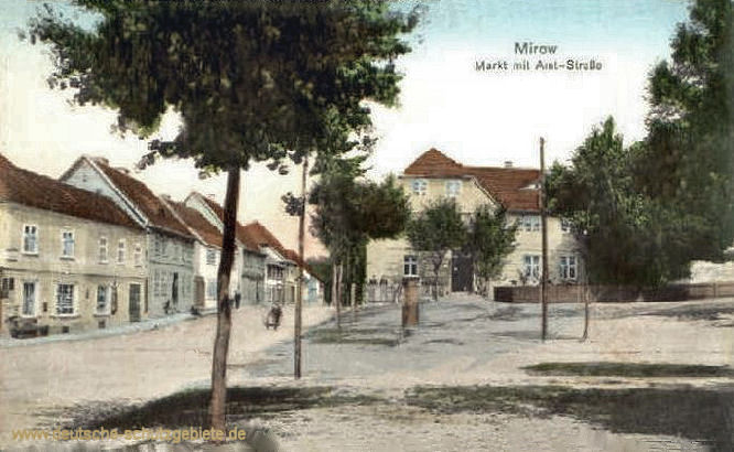 Mirow, Markt mit Amt-Straße
