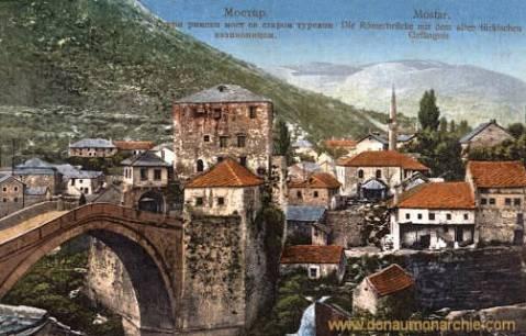 Mostar, Die Römerbrücke mit dem alten türkischem Gefängnis