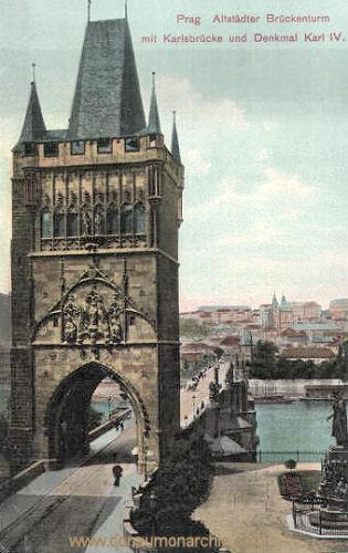Prag, Altstädter Brückenturm mit Karlsbrücke und Denkmal Karl IV.