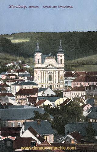 Sternberg in Mähren, Kirche mit Umgebung