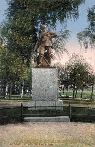 Spandau, Pionier Klinke-Denkmal