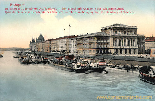 Budapest, Donauquai mit Akademie der Wissenschaften