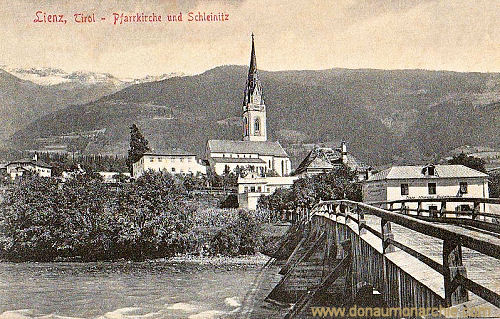 Lienz, Pfarrkirche und Schleinitz