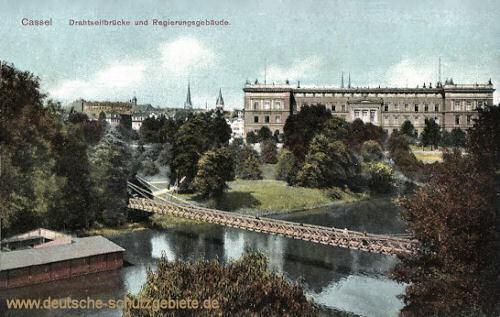 Kassel, Drahtseilbrücke und Regierungsgebäude