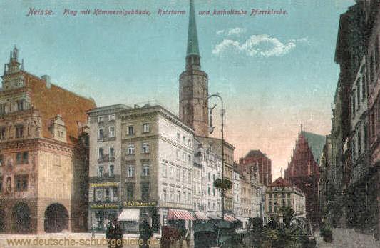 Neisse, Ring mit Kämmereigebäude, Ratsturm und katholische Pfarrkirche