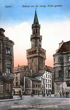 Oppeln, Rathaus von der Kirche gesehen