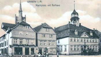 Grabow i. M., Marktplatz und Rathaus