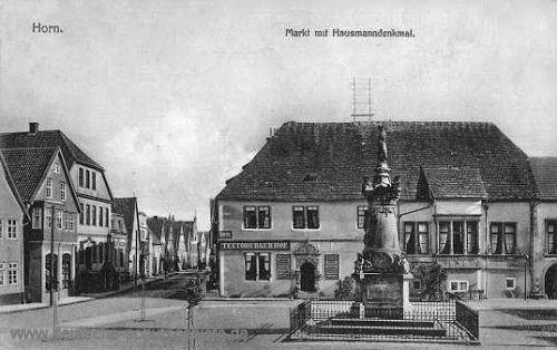 Horn in Lippe, Markt mit Hausmanndenkmal