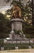 Neubrandenburg, Fritz Reuter-Denkmal
