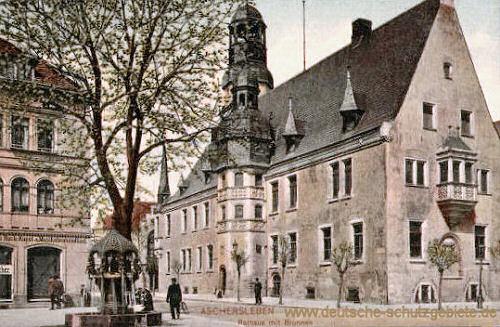 Aschersleben, Rathaus mit Brunnen