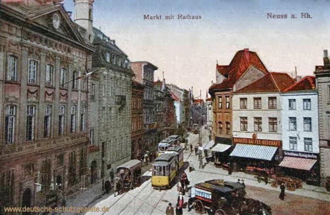 Neuss a. R. , Markt mit Rathaus