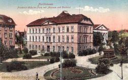 Nordhausen, Friedrich-Wilhelm-Platz mit Museum und Denkmal