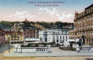 Salzburg, Makartplatz mit Mönchsberg, Theater und Hotel Bristol