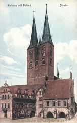 Stendal, Rathaus mit Roland