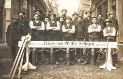Solingen, Friedrich Pfeifer, Pflastersteinmeister und Tiefbauunternehmer