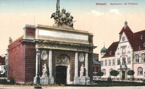 Wesel, Berliner Tor mit Postamt