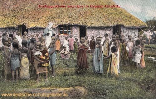 Deutsch-Ostafrika, Missionsschule, Dschagga-Kinder