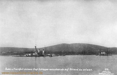 Scapa Flow: S.M.S. Baden und S.M.S. Frankfurt sinkend. Englische Schlepper versuchen sie auf Strand zu setzen.