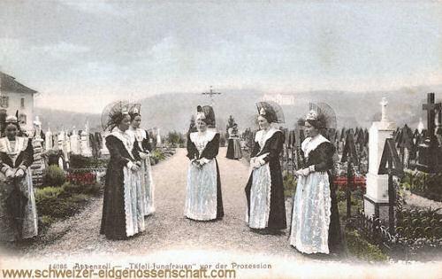 Appenzell, Täfli-Jungfrauen vor der Prozession
