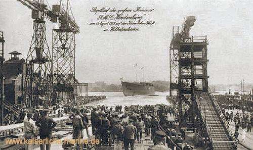 """Stapellauf des neuen Kreuzers """"Hindenburg"""" auf der Kaiserlichen Werft in Wilhelmshaven"""