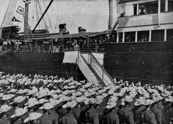 Die Ansprache des Deutschen Kaisers an die nach China gehenden Truppen am 27. Juli in Bremerhaven.
