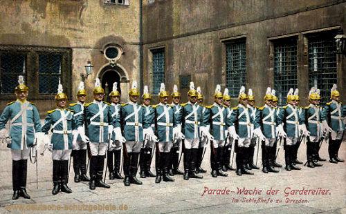 Dresden, Parade-Wache der Gardereiter im Schloßhof