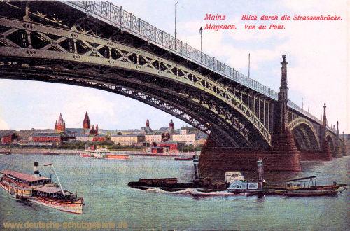Mainz, Blick durch die Straßenbrücke