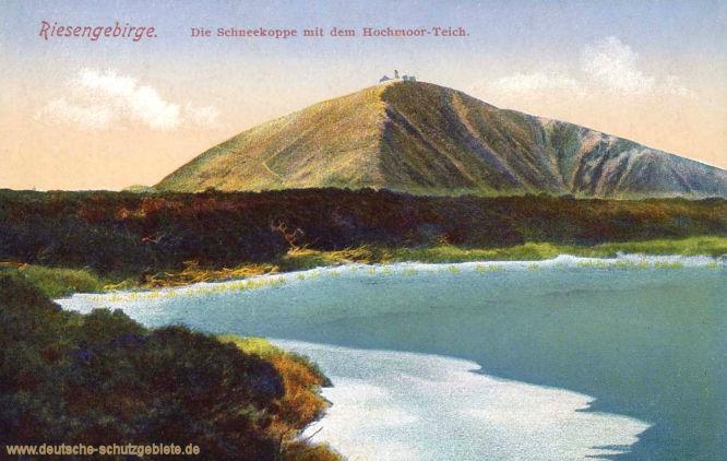 Riesengebirge. Die Schneekoppe mit dem Hochmoor-Teich.